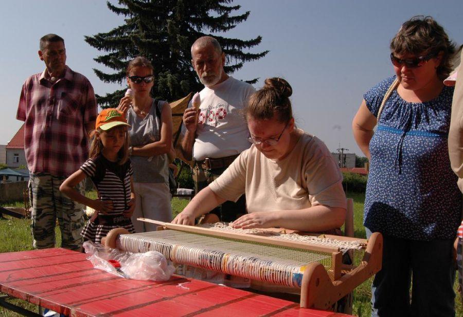 Chráněné dílny Kopeček pomáhají lidem s postižením. Pravidelně pořádáme řemeslné jarmarky v Bartošovicích i okolí.