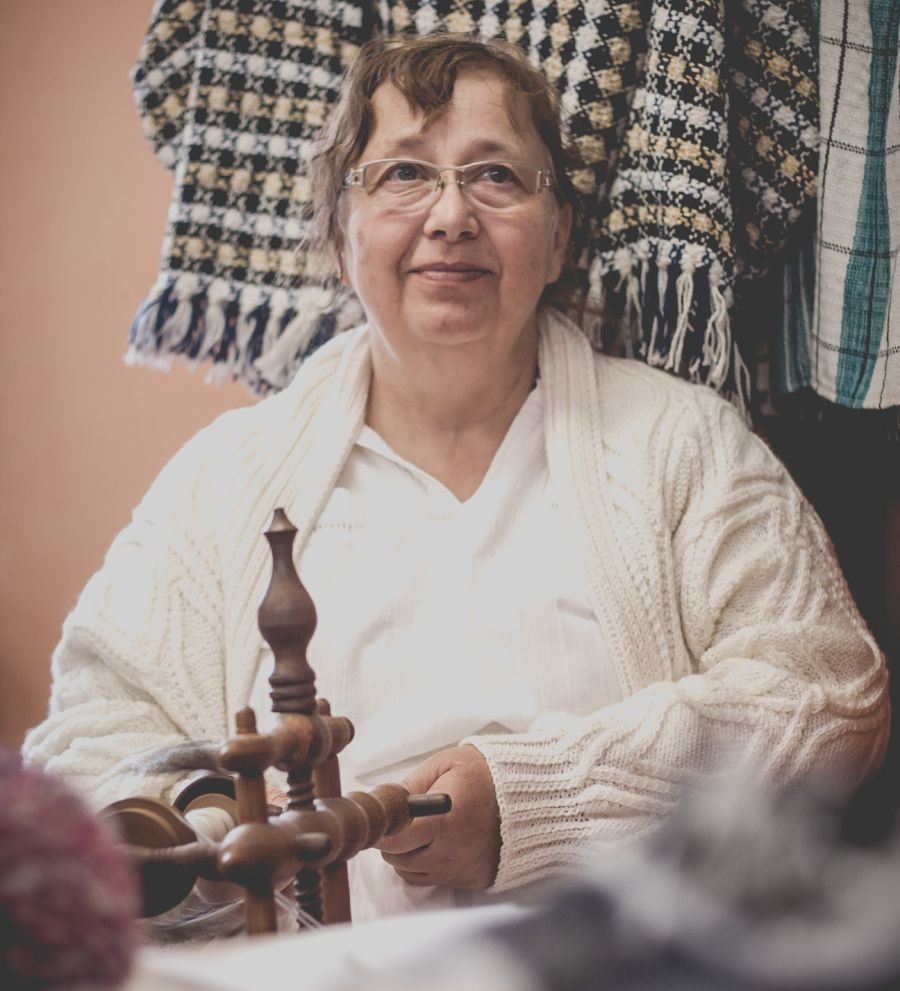 Chráněné dílny Kopeček dávají šanci lidem s postižením (obrázek z tkalcovské a šicí dílny).